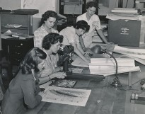 Women_USGS_geologists_working_with_maps_during_WWII_(crop)